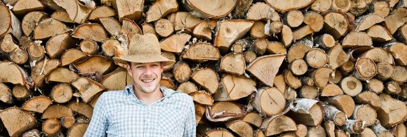 حكايتي مع أحد مزودي الخشب