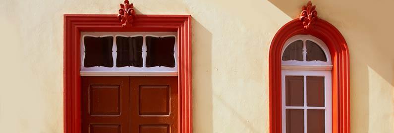 الأبواب الخشبية أصبحت تراث
